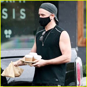 Colin Farrell Shows Off His Toned Arms While Out on a Coffee Run