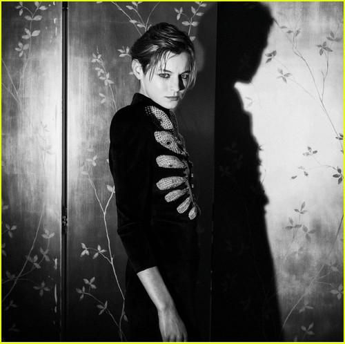 Emma Corrin at Critics Choice Awards 2021
