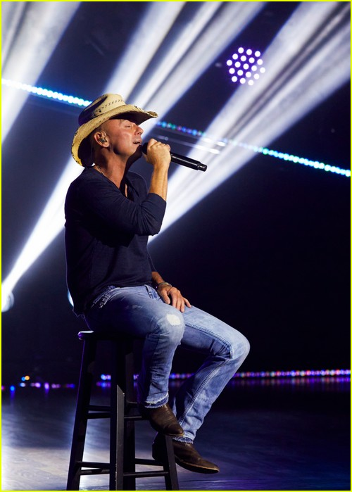 Kenny Chesney at the ACM Awards 2021