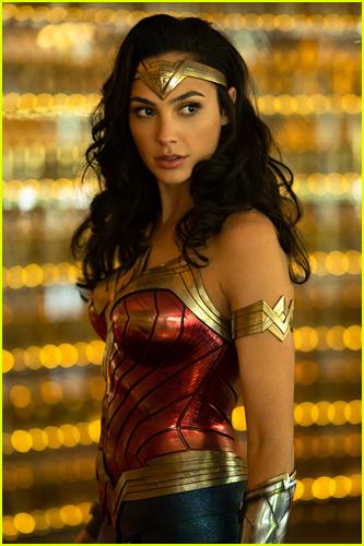 Gal Gadot as Wonder Woman photo