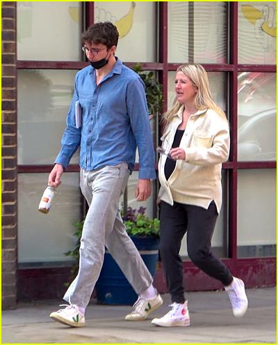 Pregnant Ellie Goulding and Caspar Jopling walking in London