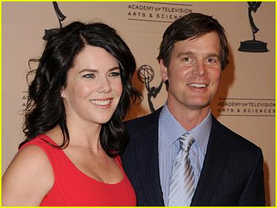 Lauren Graham and Peter Krause stock photo