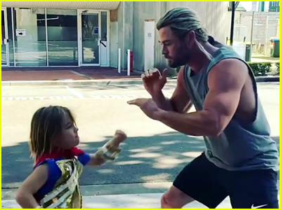 Chris Hemsworth boxes with his son