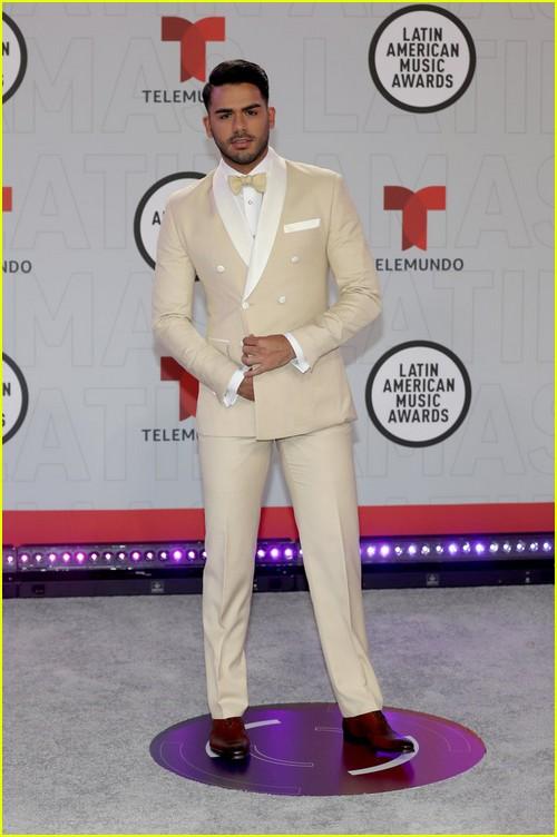 Carlos Adyan at the Latin AMAs