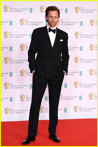 Tom Hiddleston 2021 BAFTAs red carpet