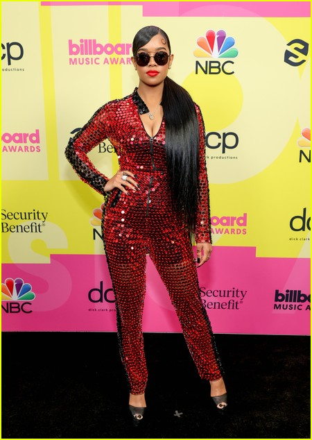H.E.R. on the Billboard Music Awards 2021 red carpet