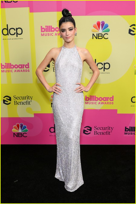 Dixie DAmelio on the Billboard Music Awards 2021 red carpet