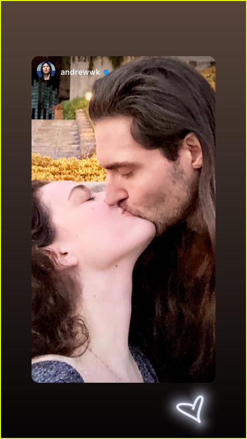 KAt Dennings & Andrew WK Kissing
